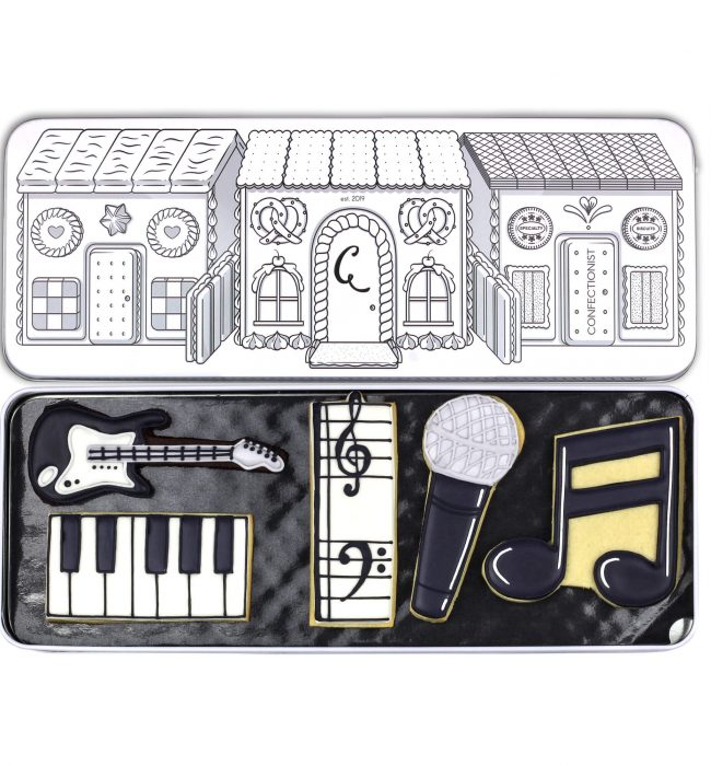Music biscuit set in tin